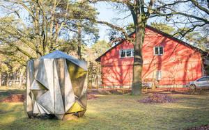 Bevor die Slulptur am Hertha-Müller-Haus aufgestellt wurde,  stand sie in ZehlendorfMitte.