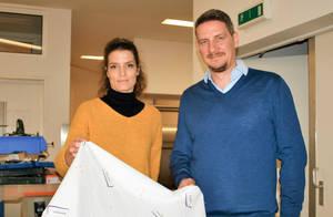 Christina und Christian Sauer produzieren nachhaltige Bienenwachstücher vom Meter.