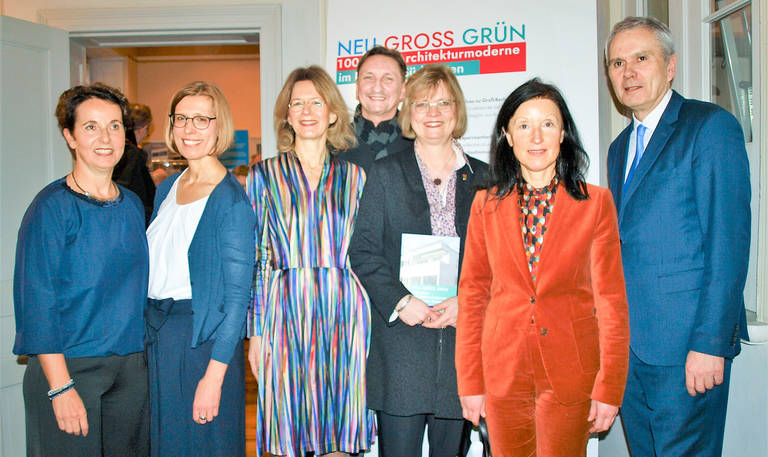 Dr.N. Bröckner, Dr.C. Kress, Dr.S. Oelker, M. Pawlik (WiFö), Bezirksbürgermeisterin C. Richter-Kotowski, Dr.B. Hausmann, Bezirksstadtrat F. Mückisch (v.l.n.r.).