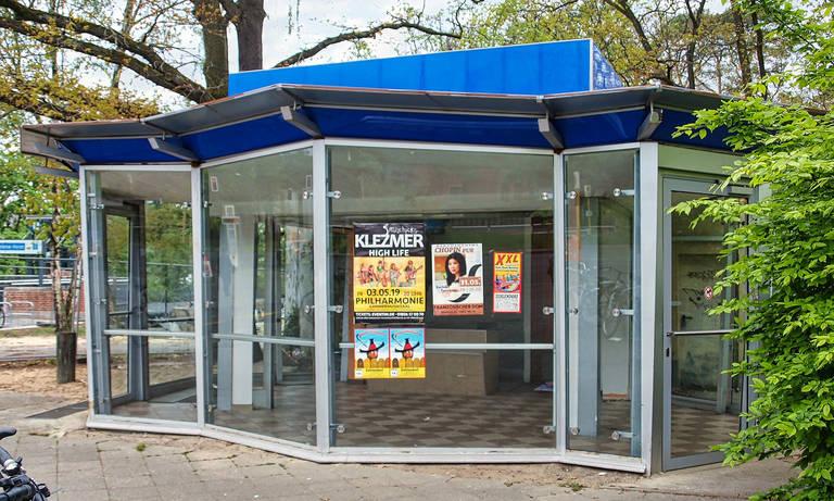 Im Neuen KulturKiosk am U-Bahnhof Oskar-Helene-Heim stehen bald wieder die Bücher im Mittelpunkt.