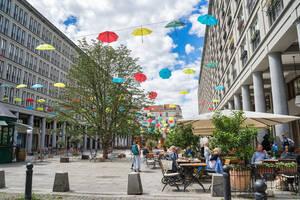 Auf den Walter-Benjamin-Platz wird vom 7. bis 9. August gefeiert.