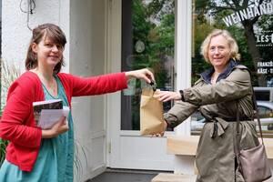 Schlüsselübergabe an die Bezirksstadträtin Christiane Heiß. Foto: Thomas Knoll