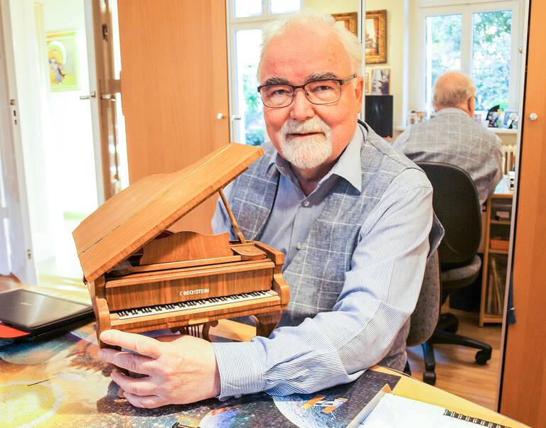 Bechstein-Miniatur, erstes Sammelobjekt von Prof.Jankowiak. Foto: Jacqueline Lorenz