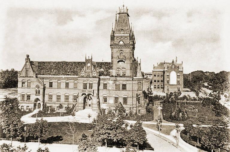 Das Rathaus Lichterfelde in alten Ansichten. Archiv Jörg Becker