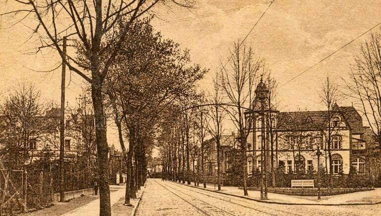 Rechts der Paulinenplatz von 1903. Archiv Jörg Becker