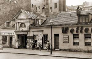 Ältestes erhaltenes Wohnhaus, Schustehrusstraße13, 1960. Archiv Museum Charlottenburg-Wilmersdorf