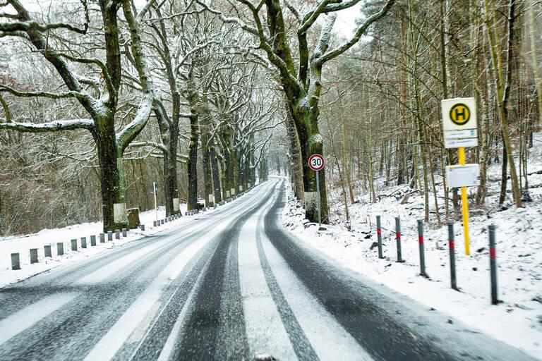 Havelchaussee im Winter.