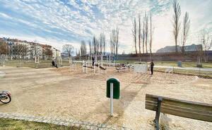 Outdoor-Fitness mit den neuen Geräten im Cheruskerpark. Foto: Bezirksamt Tempelhof-Schöneberg