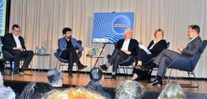 Im Gespräch: (v.l.n.r.) Prof.Rump, P. Spies, R. Schaper, C. Richter-Kotowski, Prof.Wallen.