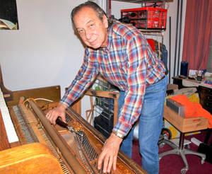 Elion Meiertal – Klaviere und Flügel sind bei ihm in erfahrener Hand.