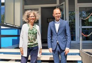 Geschäftsinhaberin Alexandra Knauer und FDP-Fraktionsvorsitzender im Berliner Abgeordnetenhaus, Sebastian Czaja.