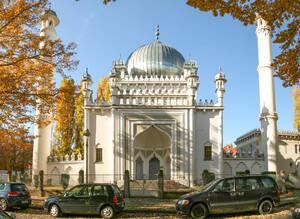 Die Inneninstandsetzung der Moschee wird durch die Deutsche Stiftung Denkmalschutz gefördert.