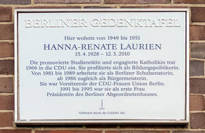 Neue Gedenktafel in der Hildburghauser Straße131. Foto: Bezirksamt Steglitz-Zehlendorf