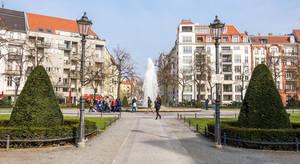 Bald wird der Brunnen am Viktoria-Luise-Platz wieder sprudeln.