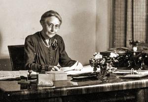 Gerda Schimpf: Louise Schröder als Bürgermeisterin, 1946. Fotos: Archiv Gerda Schimpf