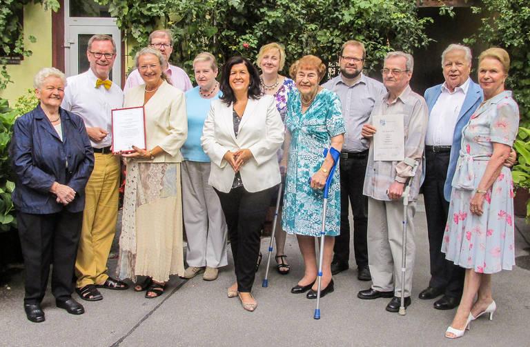 Ehrung langjähriger Vereinsmitglieder im Jahr 2015 mit Bezirksbürgermeister Reinhard Naumann (2.v.l.). Foto: Lorenz/ Wolf-Diedrich Kroll jun. / Thiemen