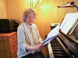 """Ingeborg Kramer – Gründerin und Leiterin der """"Kleinen Oper Zehlendorf""""."""