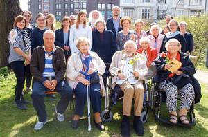 Gemeinsam das Erreichte feiern: Senioren, JungfragtAlt-Team und Gäste.