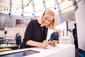 """Die Ausstellung """"EY ALTER"""" wendet sich an Menschen jeden Lebensalters. Foto: Daimler AG"""