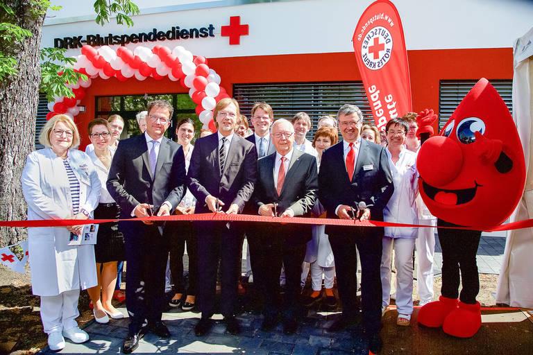 Am 15.Mai wurde der neue Blutspendestandort am Hindenburgdamm eröffnet. Foto: Eventpress Radke