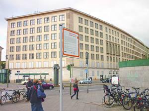 Blick auf die Bebauung am Kleistpark.Foto: zera berlin