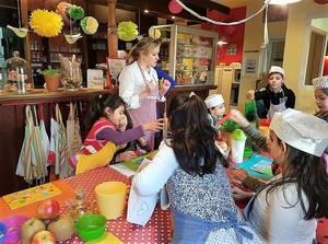 Kochen mit Willkommensklassen. Foto KinderkochSpass