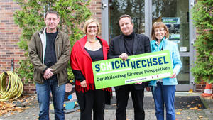Begrüßungskomitee zum Schichtwechsel: v.l.n.r.: Ronald Zocha, Angelika Schöttler, Stephan Kersten, Franziska Schneider. Foto: BA Tempelhof-Schöneberg