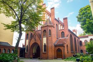 Die Gründung der Baptistengemeinde und der Bau der Kirche fanden 1898 statt.