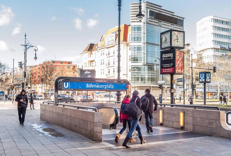 Moderne Architektur und große Miethäuser bilden das Umfeld vom Adenauerplatz.