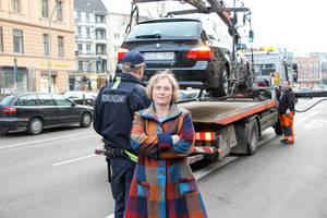 Bezirksstadträtin Christiane Heiß lässt die Busspur räumen. Foto: BA