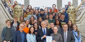 Preisverleihung: Das Goethe-Gymnasium ist Preisträger des Schüleraustausch-Preises Foto: Stiftung Völkerverständigung