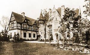 Franz von Mendelssohn ließ das Palais in der Bismarckallee für seine Familie errichten.