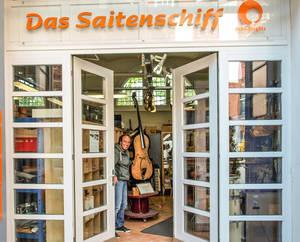 """Willkommen im """"Saitenschiff""""."""