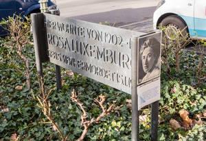 Gedenktafel in der Cranachstraße58.