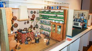 Puppenküchen: Vorbereitung auf das Hausfrauendasein anno dazumal.