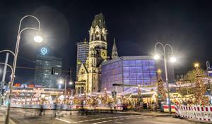Bereits am 25. November beginnt der City-Weihnachtsmarkt an der Kaiser-Wilhelm-Gedächtniskirche.