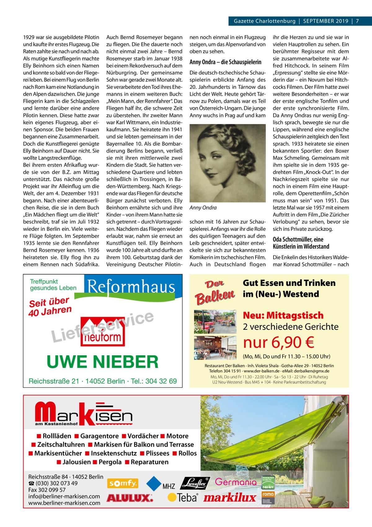 """Gazette Charlottenburg September 2019 7 1929 war sie ausgebildete Pilotin und kaufte ihr erstes Flugzeug. Die Raten zahlte sie nach und nach ab. Als mutige Kunstfliegerin machte Elly Beinhorn sich einen Namen und konnte so bald von der Fliegerei leben. Bei einem Flug von Berlin nach Rom kam eine Notlandung in den Alpen dazwischen. Die junge Fliegerin kam in die Schlagzeilen und lernte darüber eine andere Pilotin kennen. Diese hatte zwar kein eigenes Flugzeug, aber einen Sponsor. Die beiden Frauen begannen eine Zusammenarbeit. Doch die Kunstfliegerei genügte Elly Beinhorn auf Dauer nicht. Sie wollte Langstreckenflüge. Bei ihrem ersten Afrikaflug wurde sie von der B.Z. am Mittag unterstützt. Das nächste große Projekt war ihr Alleinflug um die Welt, der am 4.Dezember 1931 begann. Nach einer abenteuerlichen Reise, die sie in dem Buch """"Ein Mädchen fliegt um die Welt"""" beschreibt, traf sie im Juli 1932 wieder in Berlin ein. Viele weitere Flüge folgten. Im September 1935 lernte sie den Rennfahrer Bernd Rosemeyer kennen. 1936 heirateten sie. Elly flog ihn zu einem Rennen nach Südafrika.  Auch Bernd Rosemeyer begann zu fliegen. Die Ehe dauerte noch nicht einmal zwei Jahre – Bernd Rosemeyer starb im Januar 1938 bei einem Rekordversuch auf dem Nürburgring. Der gemeinsame Sohn war gerade zwei Monate alt. Sie verarbeitete den Tod ihres Ehemanns in einem weiteren Buch: """"Mein Mann, der Rennfahrer"""". Das Fliegen half ihr, die schwere Zeit zu überstehen. Ihr zweiter Mann war Karl Wittmann, ein Industriekaufmann. Sie heiratete ihn 1941 und sie lebten gemeinsam in der Bayernallee10. Als die Bombardierung Berlins begann, verließ sie mit ihren mittlerweile zwei Kindern die Stadt. Sie hatten verschiedene Quartiere und lebten schließlich in Trossingen, in Baden-Württemberg. Nach Kriegsende war das Fliegen für deutsche Bürger zunächst verboten. Elly Beinhorn ernährte sich und ihre Kinder – von ihrem Mann hatte sie sich getrennt – durch Vortragsreisen. Nachdem das Fliegen wieder erlaubt war, """